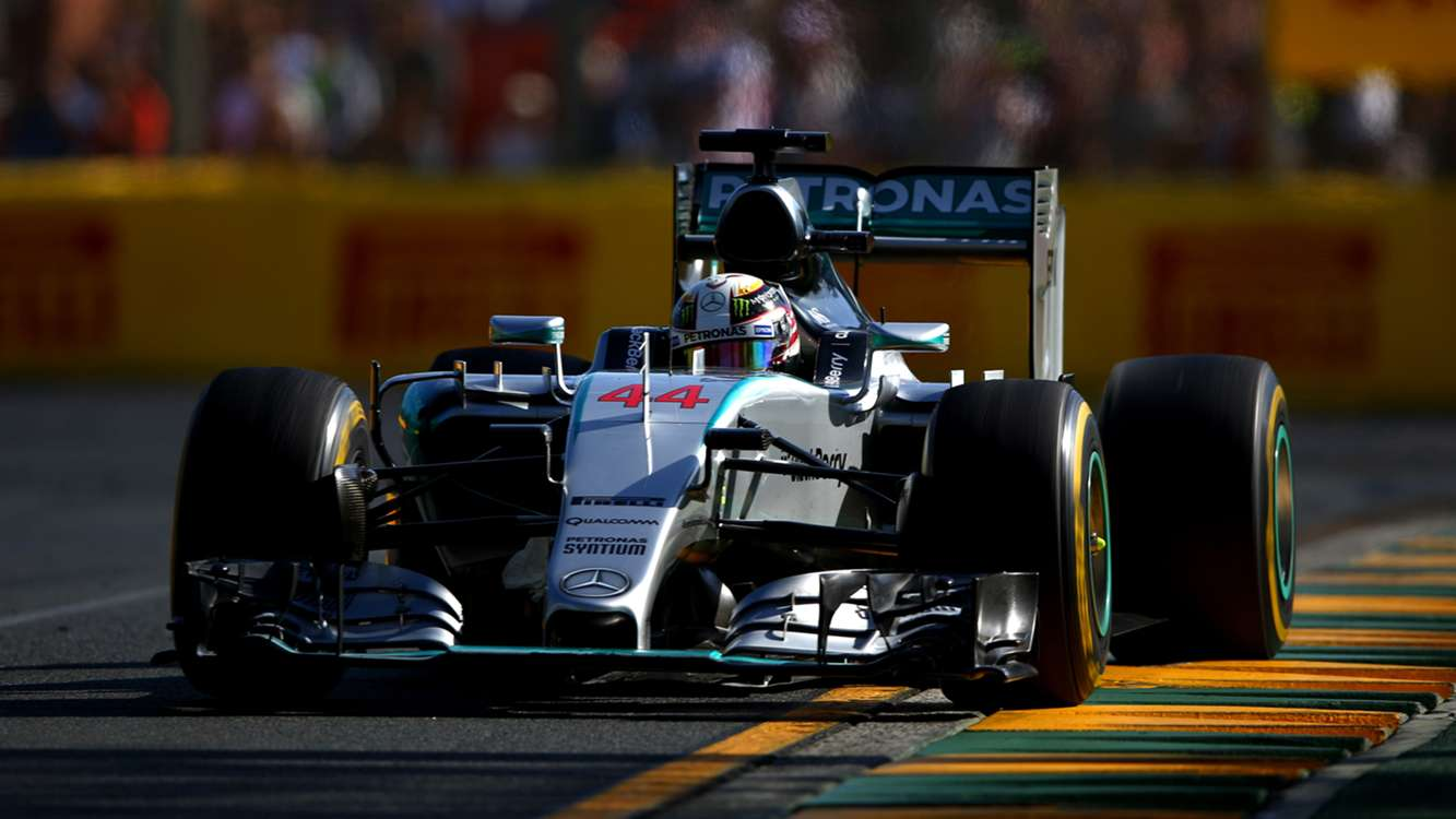 Hamilton cruises to victory in Australia