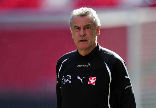 Hitzfeld expecting 'tense' World Cup group