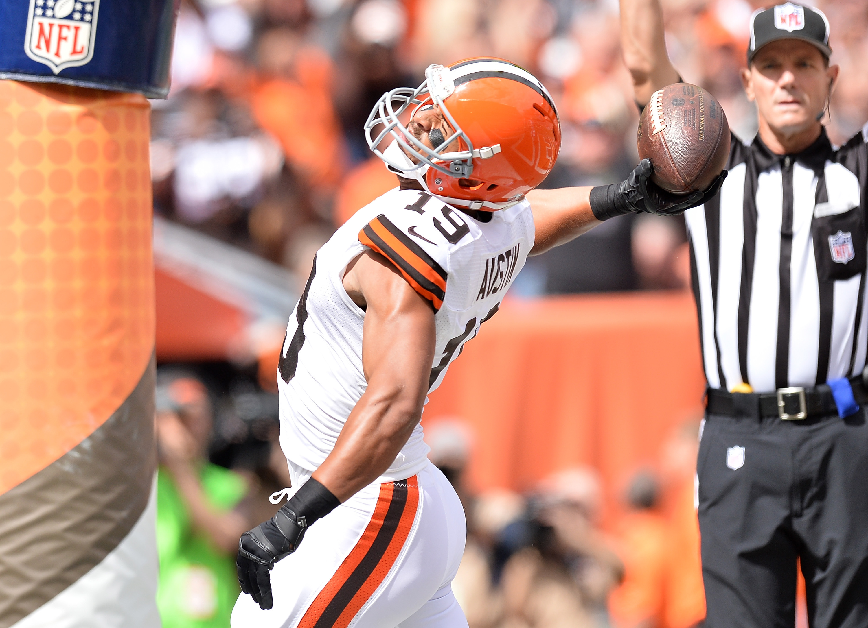 Miles Austin reportedly signs with Eagles