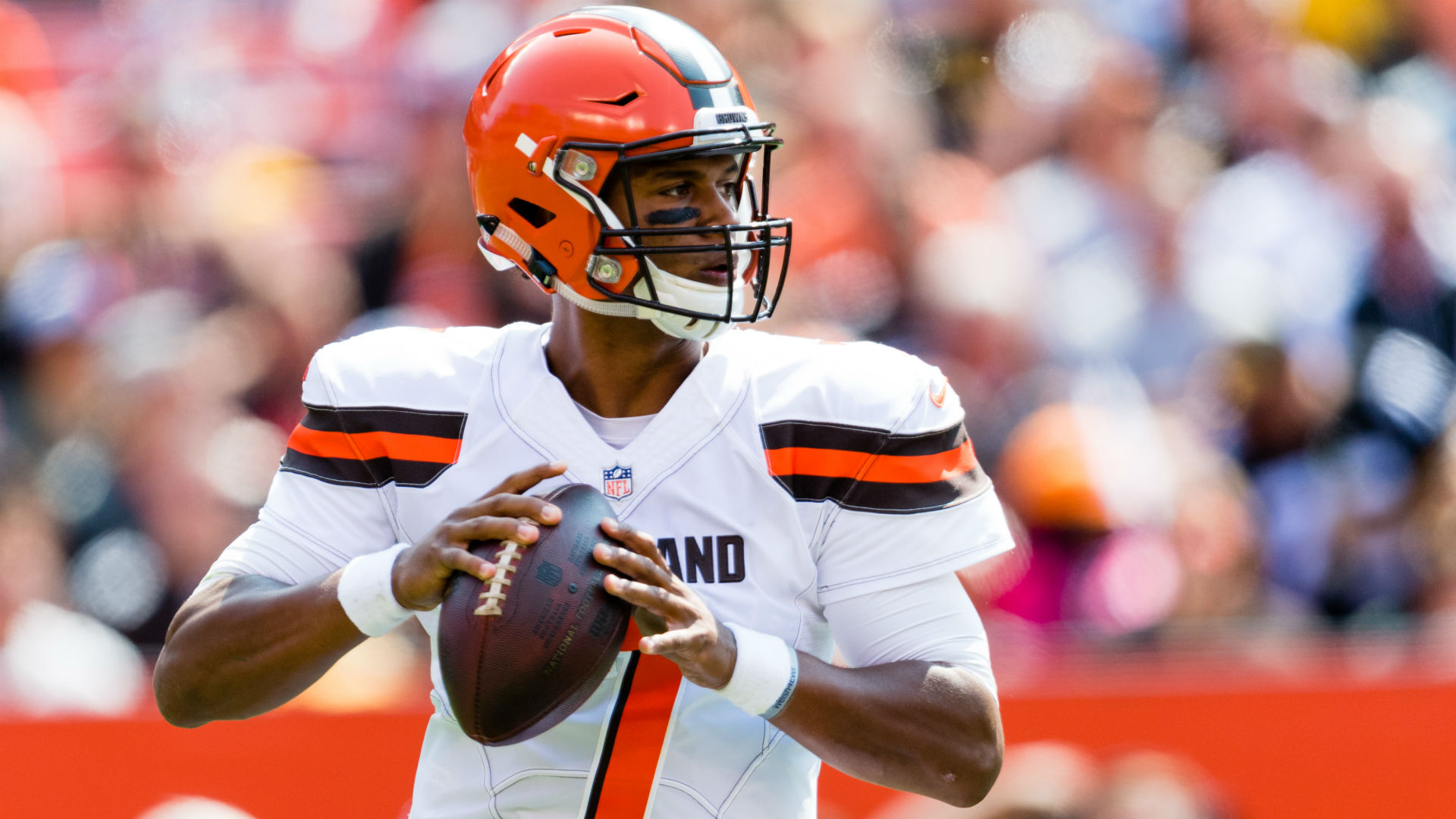Browns' Hue Jackson says rookie quarterback DeShone Kizer 'gives us hope'