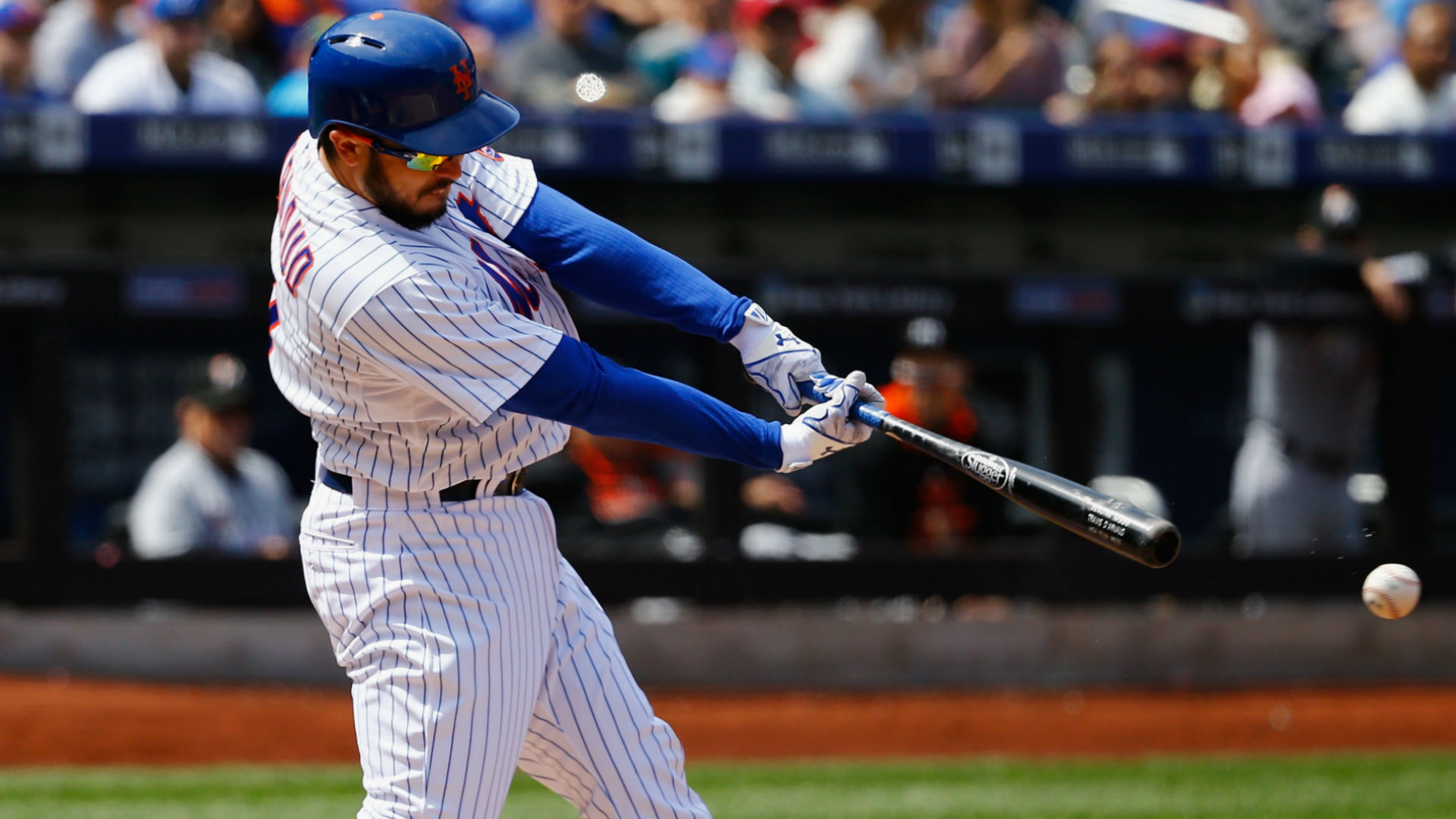 Mets lose Jerry Blevins, Travis d'Arnaud to fractures in eighth straight win