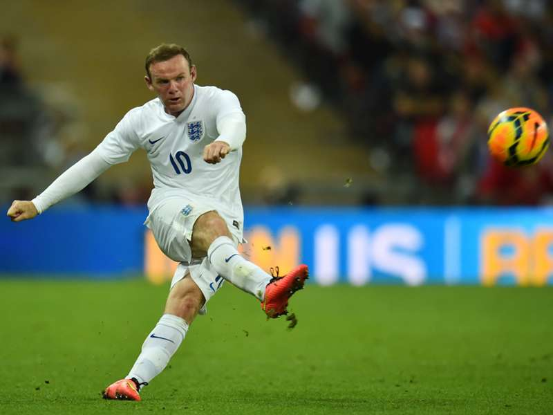 Roy Hodgson: Wayne Rooney obsession 'sad'