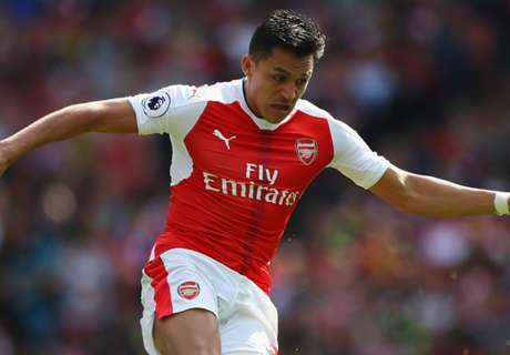 Sanchez wins award, Ozil snubbed