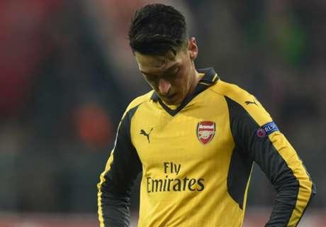 'Ozil let down by Arsenal'