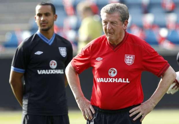 England boss Hodgson bemoans Walcott injury