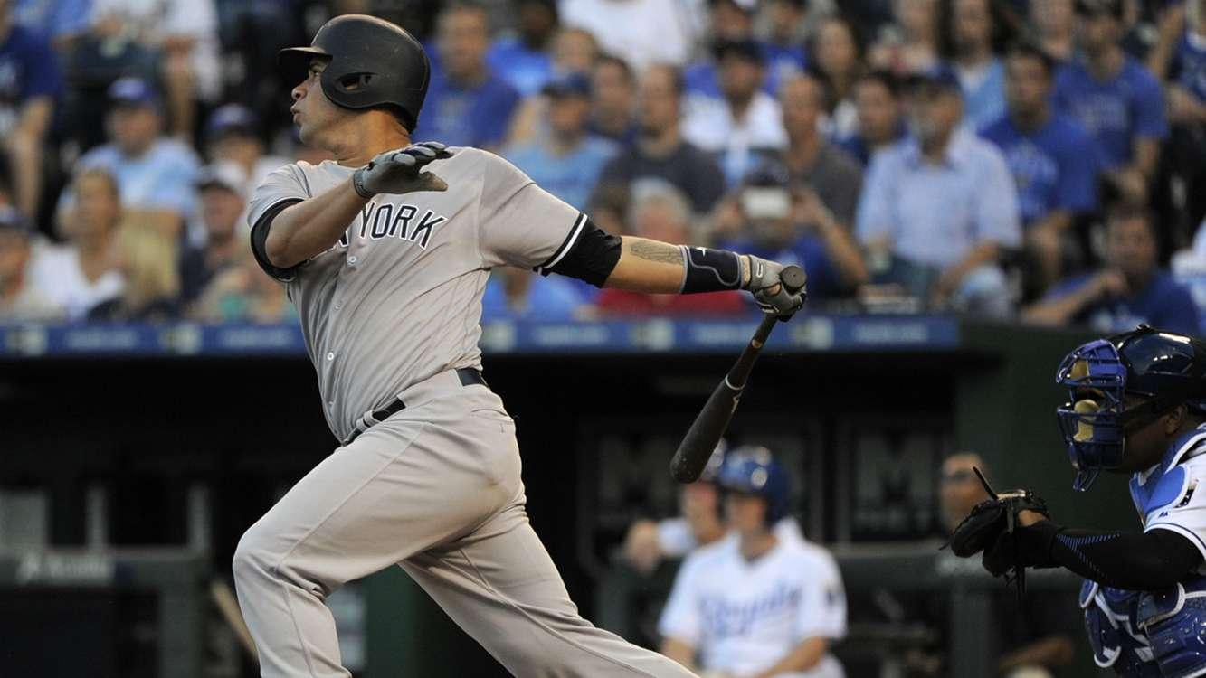 Yankees' Gary Sanchez crushes BP home run off scoreboard