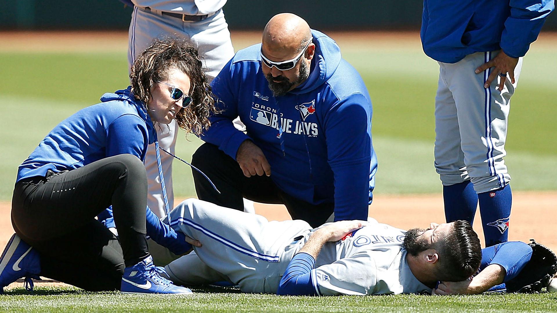 Matt Shoemaker injury update: Blue Jays starter leaves game with knee injury