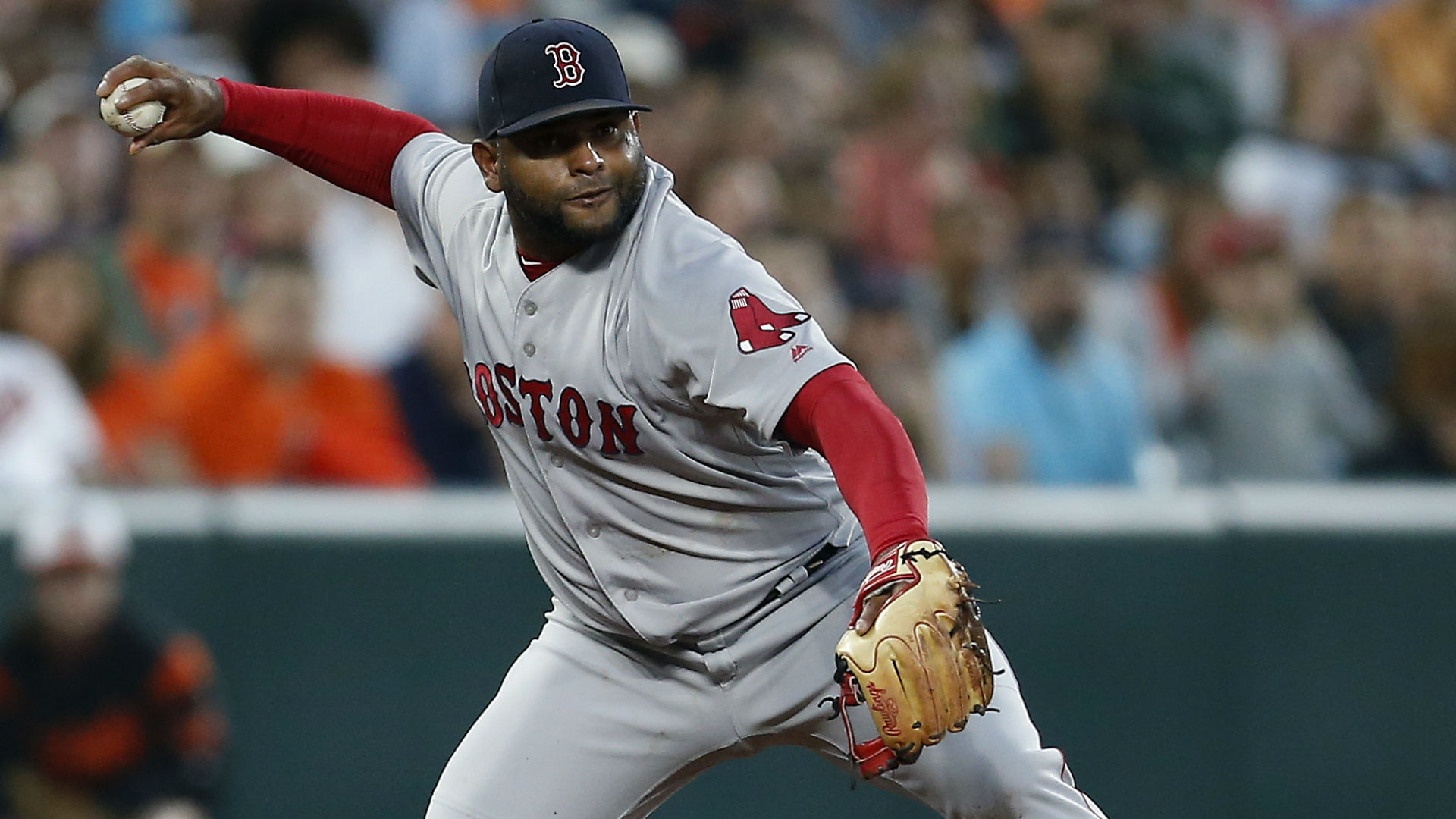 Red Sox 3B heads to DL with knee sprain