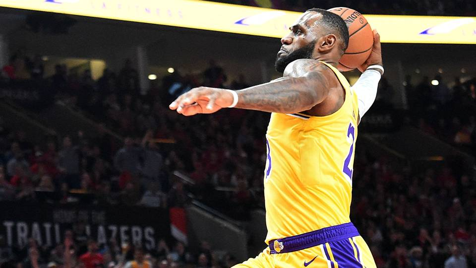 Nba Wrap Lebron James Has Spectacular Start In Lakers Debut But La