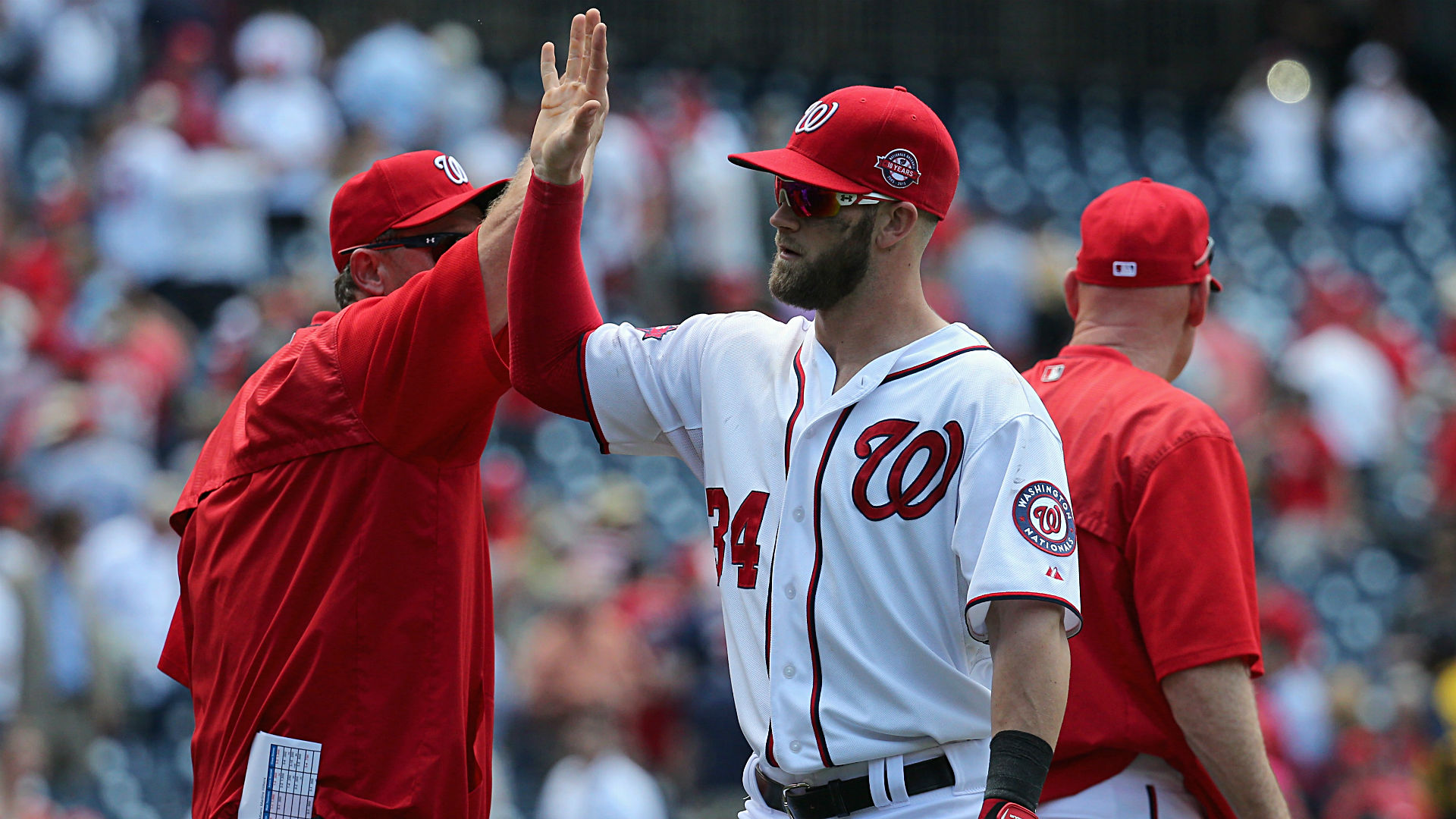 MLB Nightly 9: Harper blasts three HRs; Votto could face fine, suspension