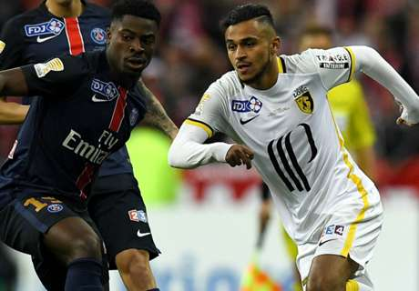 Boufal weighing up his options