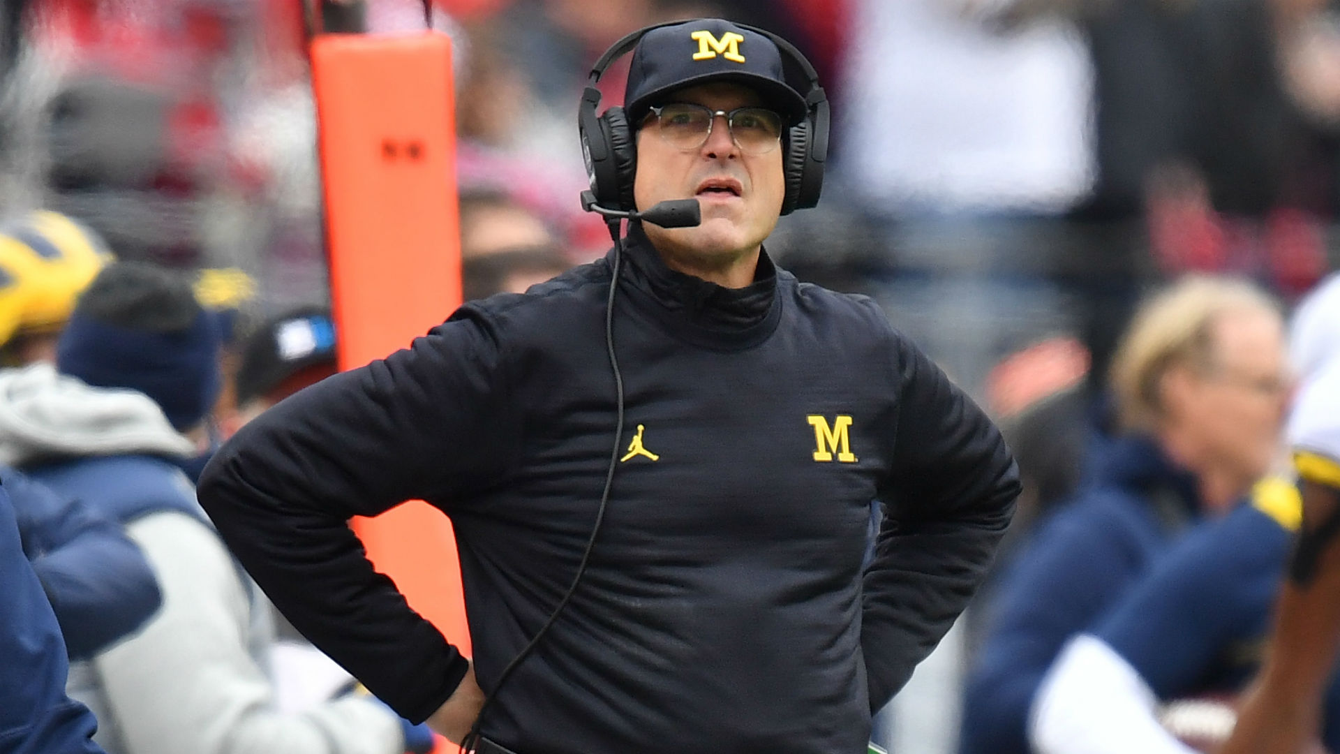 Wolverines AD wants Jim Harbaugh, John Beilein to stay at Michigan until they retire