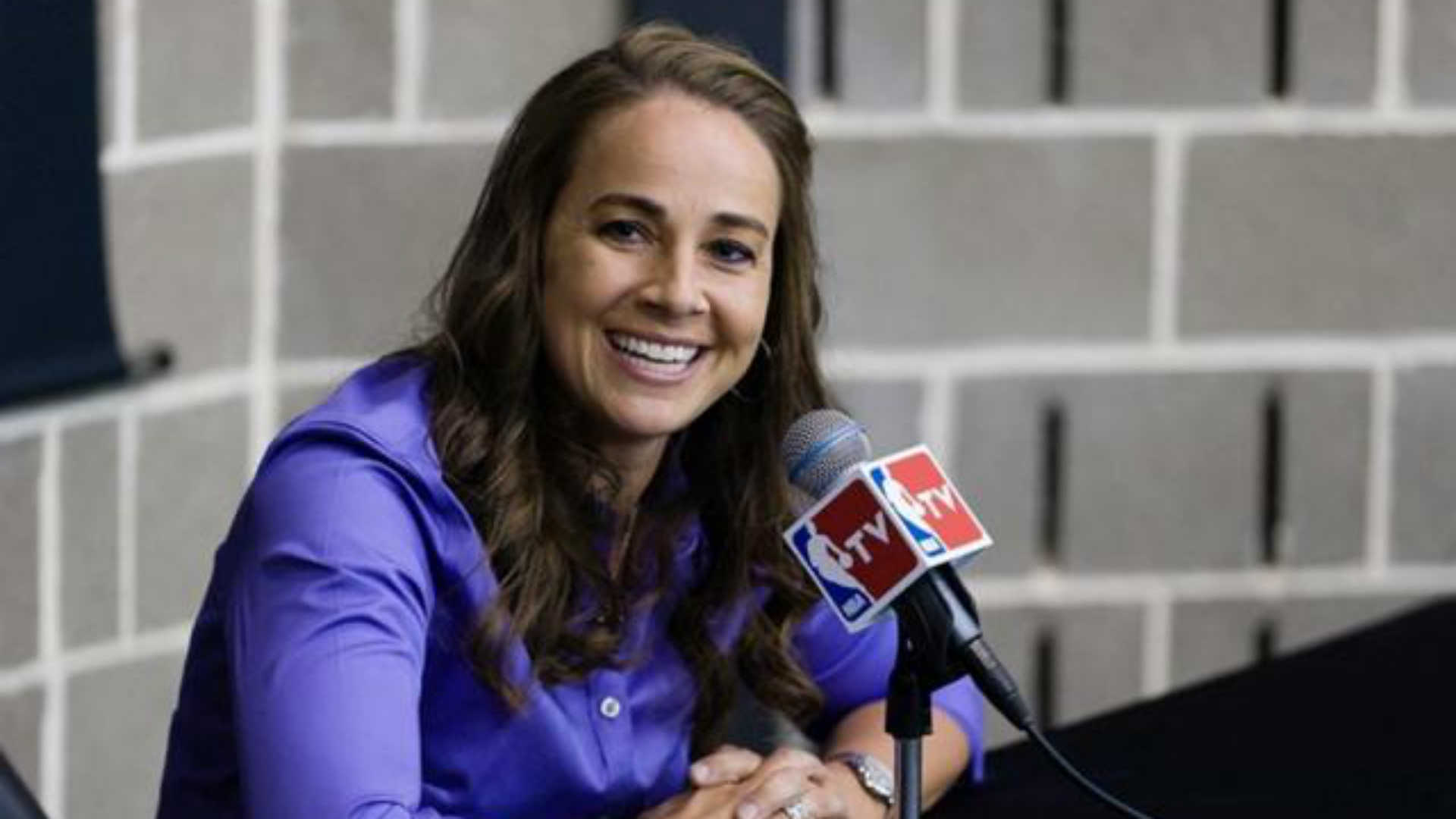 Becky Hammon moves up, gets promoted by San Antonio Spurs