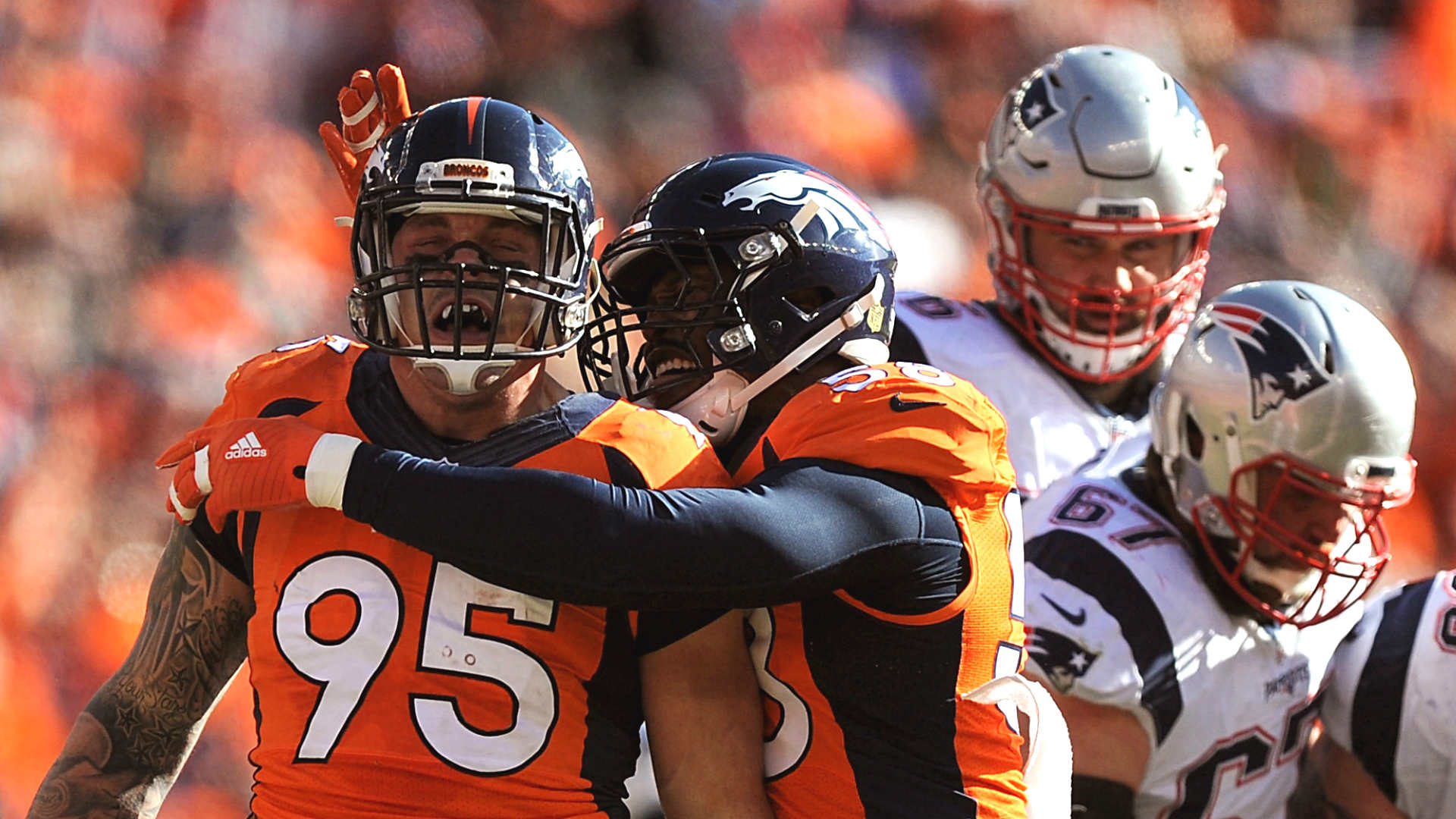 Broncos defense dominates for 17 9 halftime lead over Patriots