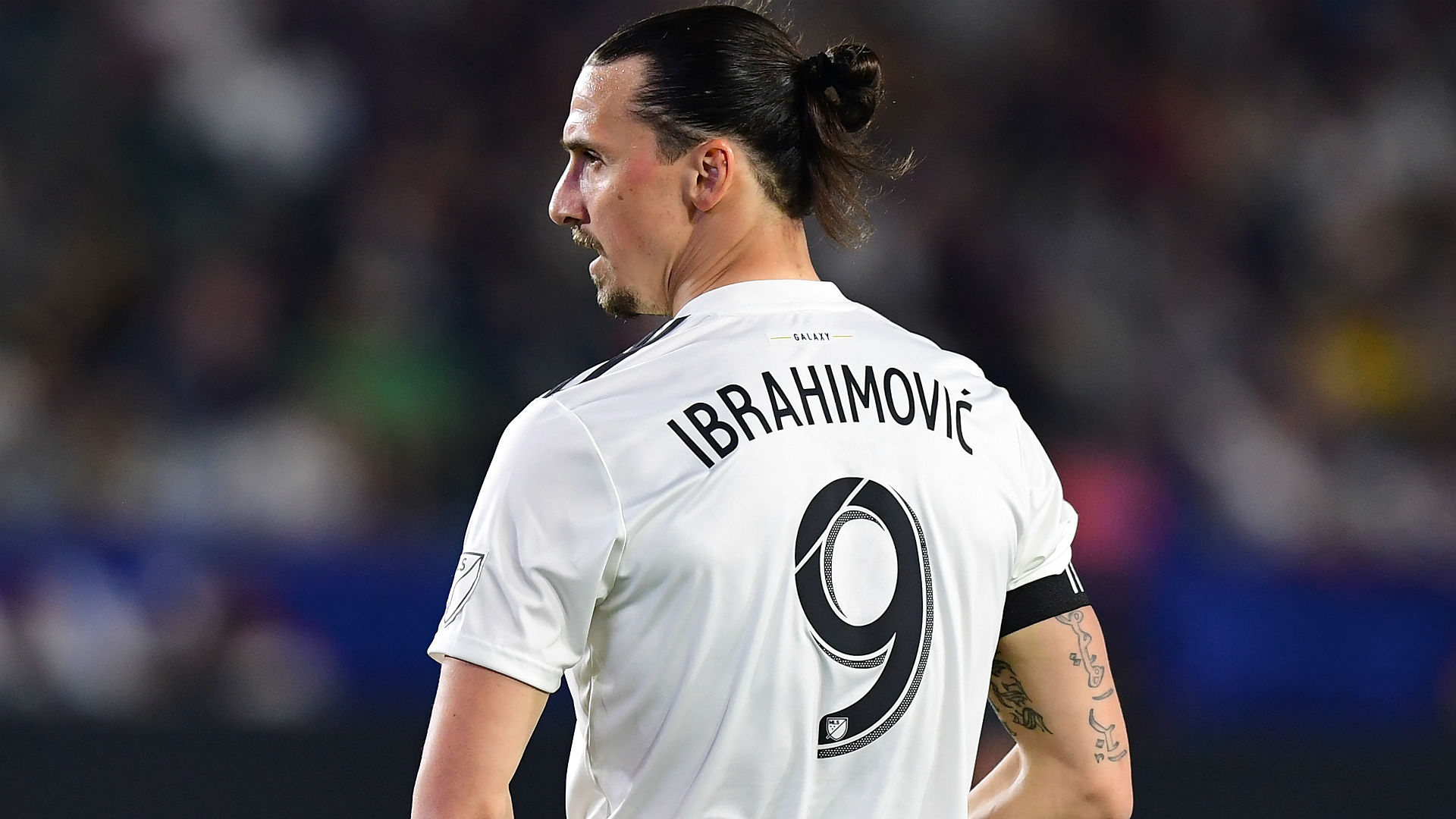 Zlatan karate-kicks home his 500th career goal