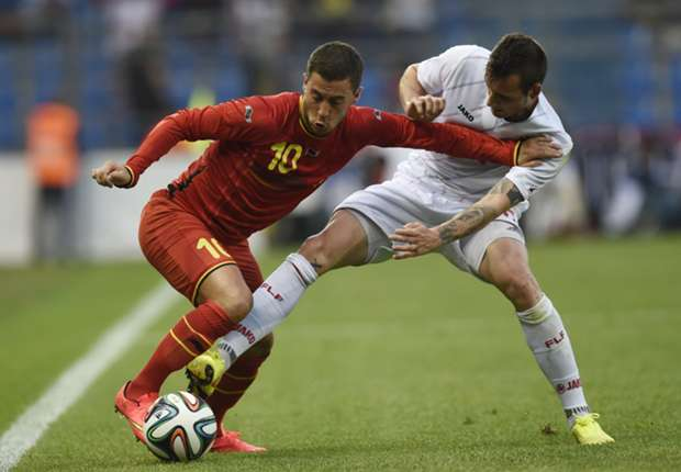 Chelsea's Hazard rules out Paris Saint-Germain move