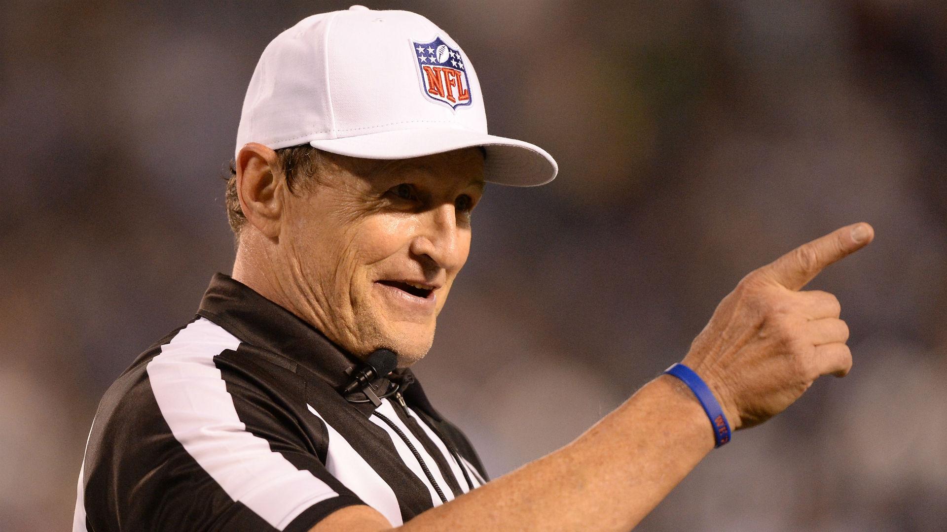 NFL referees Ed Hochuli 02ec82e4c