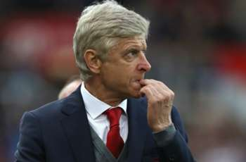 Wenger: Arsenal squad not manageable
