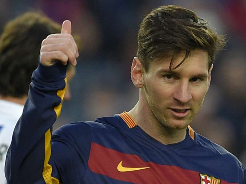 'Messi would shine as a centre-back'