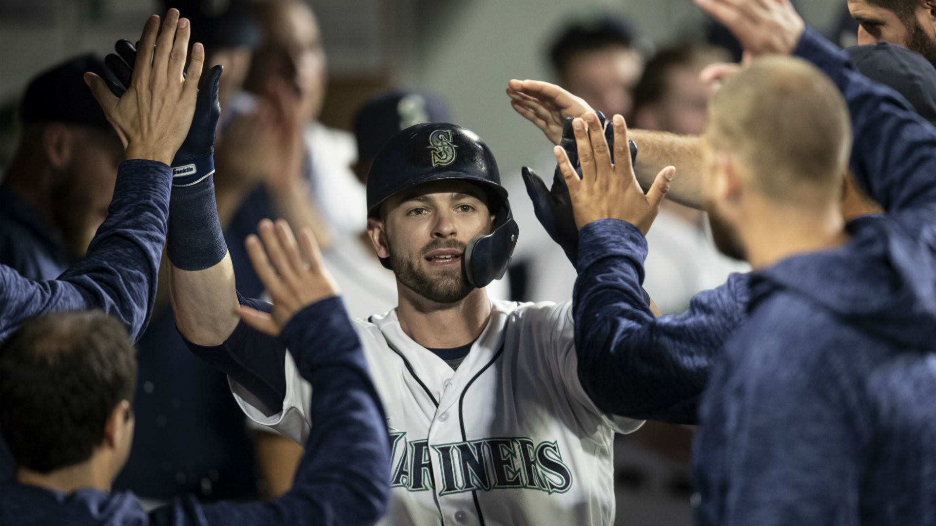Mariners evaluating 'a full-fledged teardown' this offseason, report says