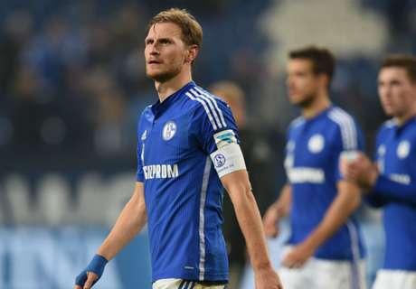 Howedes extends Schalke stay