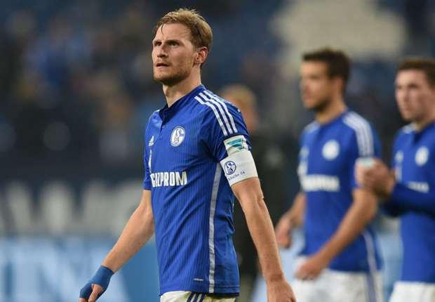 Captain Howedes extends Schalke stay
