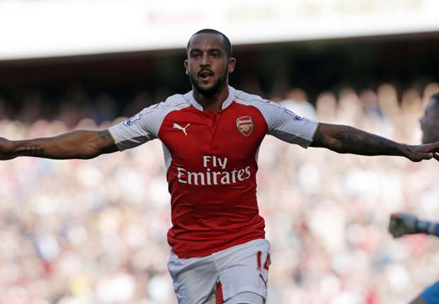 Arsenal form will have rivals worried, warns Walcott