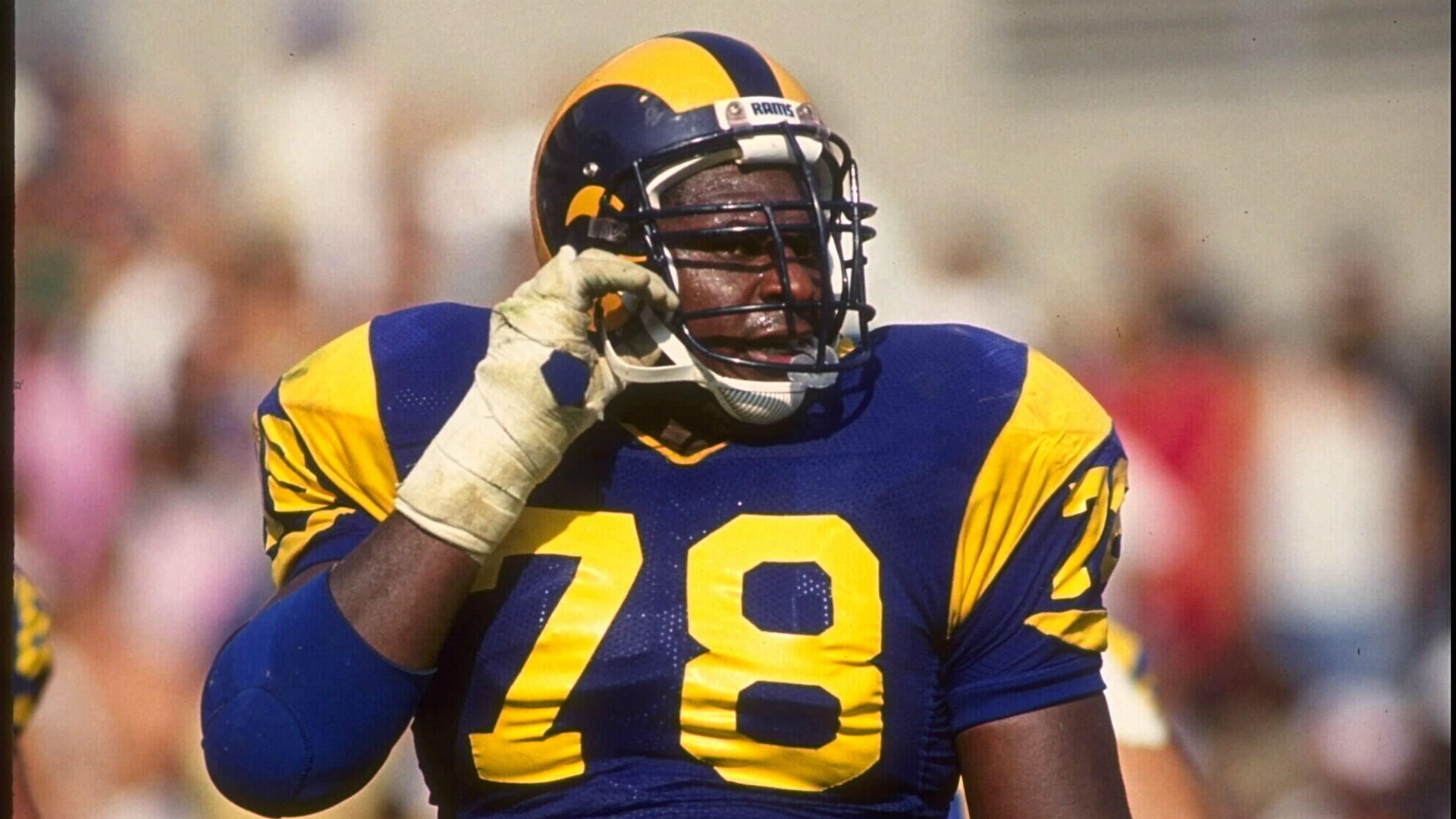Former L A Rams want old uniforms back It s bulls