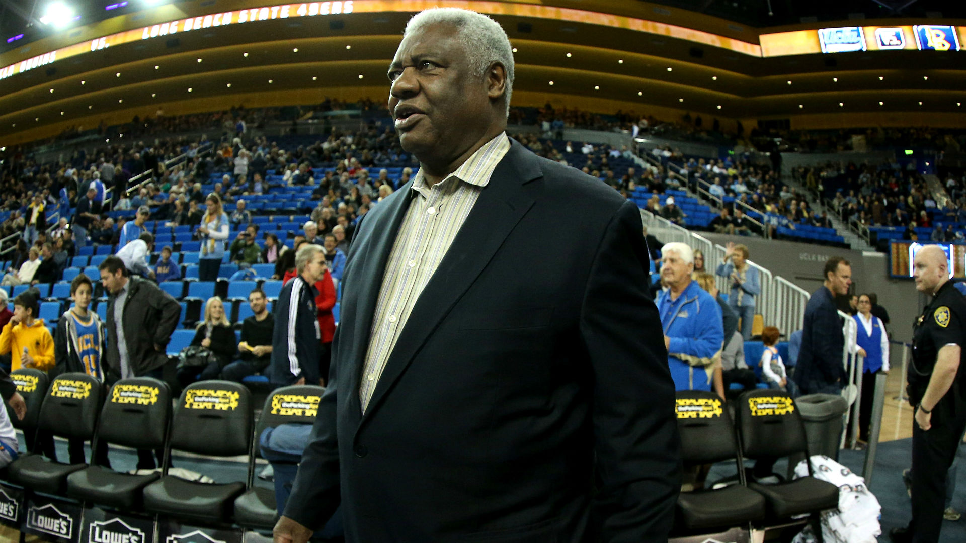 Oscar Robertson thinks NBA coaches are fools for not stopping