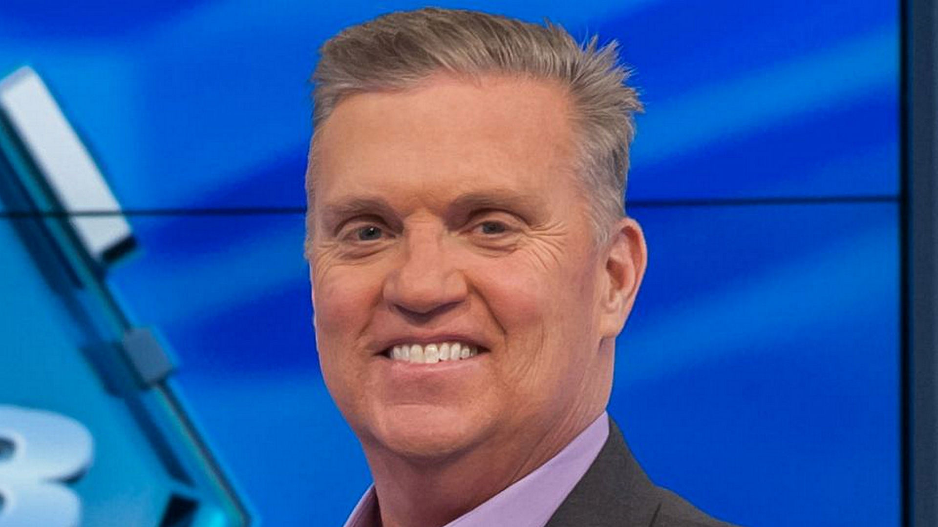 NASCAR honors late Steve Byrnes with award