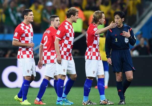 Fifa defends referee Yuichi Nishimura for blunders