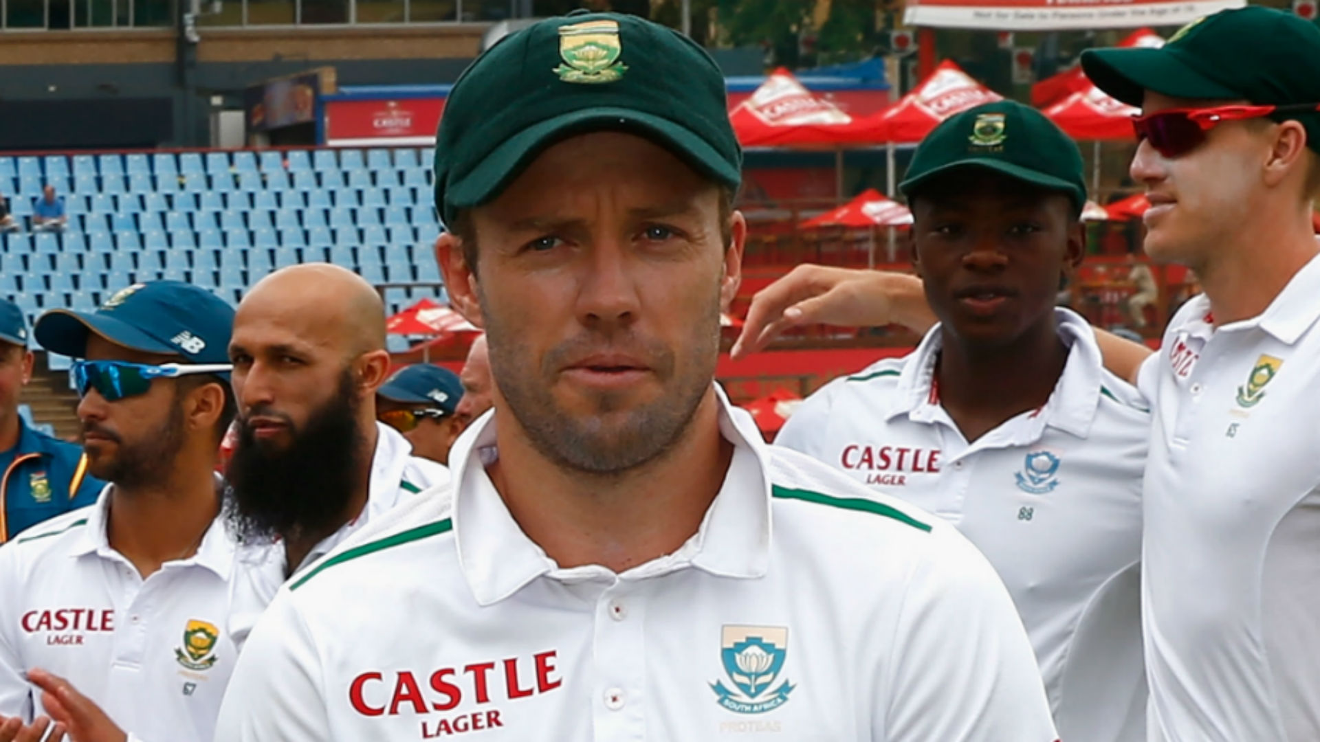 De Villiers quits as South Africa test captain