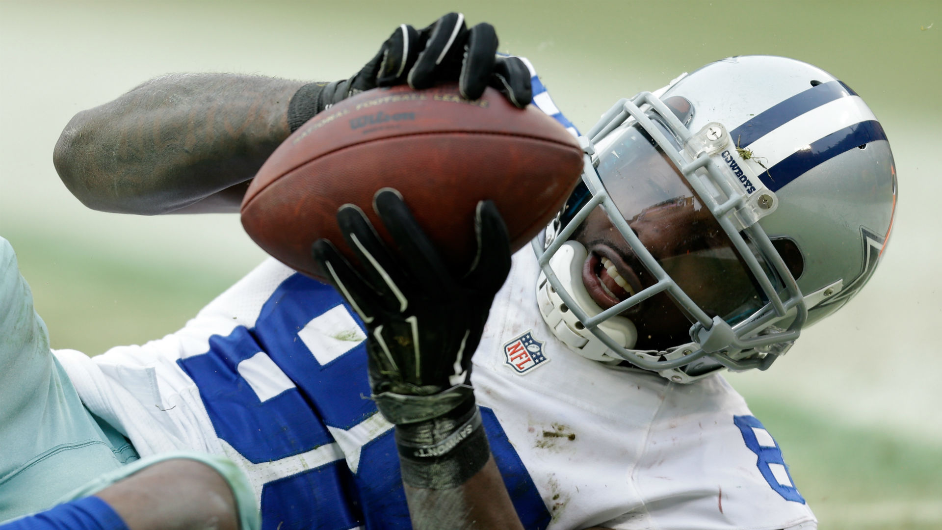 Cowboys reportedly think Dez Bryant is bluffing, needs the money