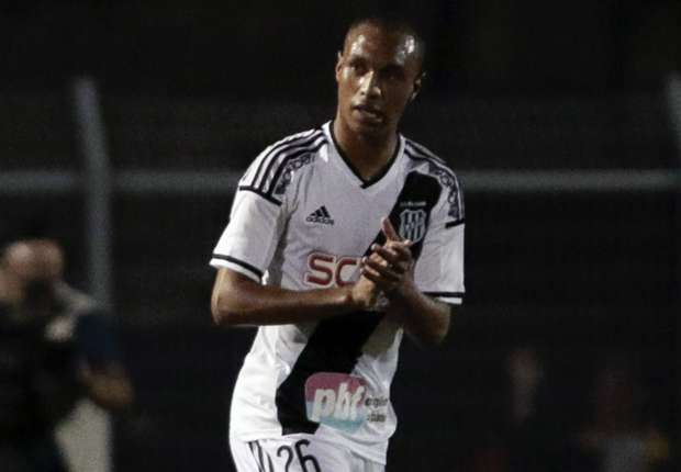 Napoli sign Brazil youth star Leandrinho