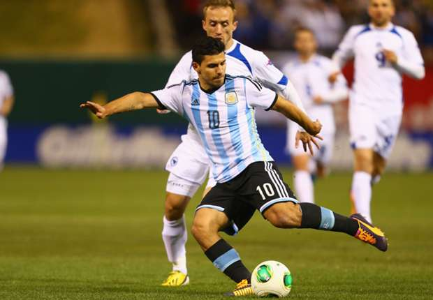 Argentina sweats on fitness of Aguero and Garay