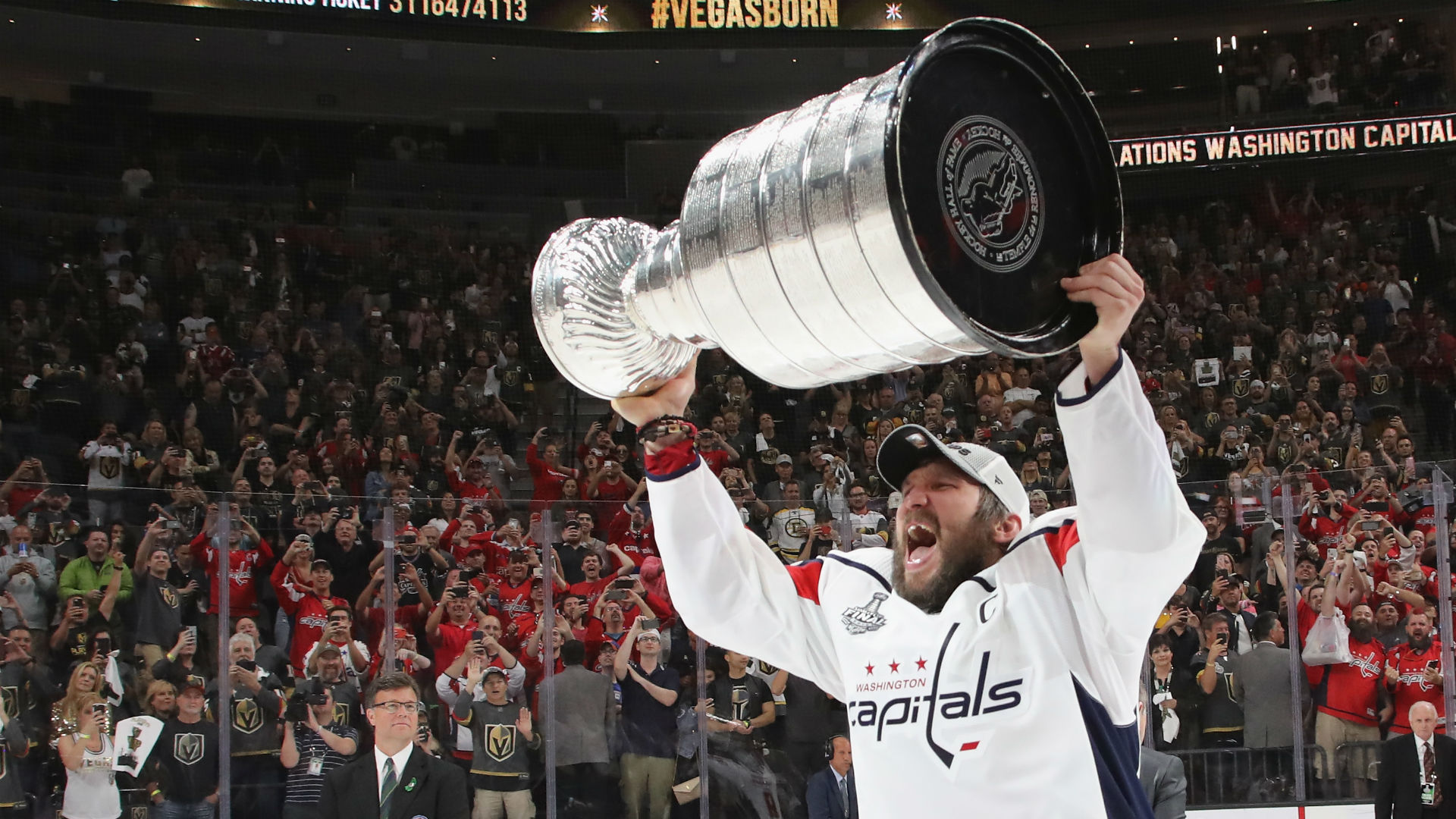 Alex Ovechkin hoists Stanley Cup with father at childhood rink