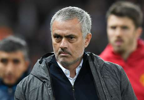 Mou: PL bosses don't give an 'S'