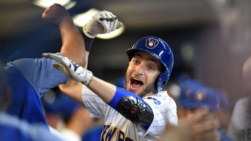 MLB wrap: Dodgers, Brewers stay alive in divisional races
