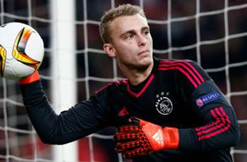Cillessen set to fly out to Barcelona to complete move