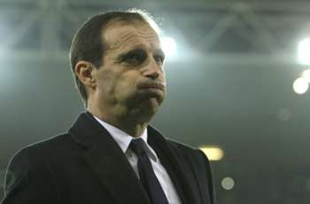 Allegri urges calm after Juve leapfrogs Napoli into top spot