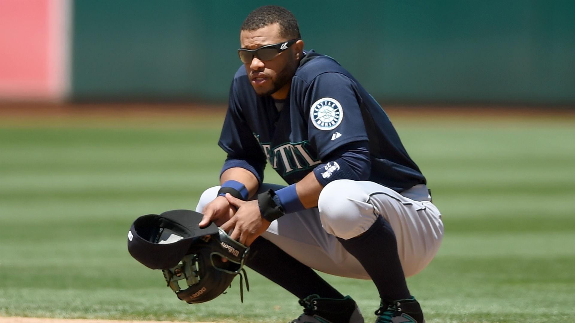 Robinson Cano struggles with digestive ailment amid miserable season