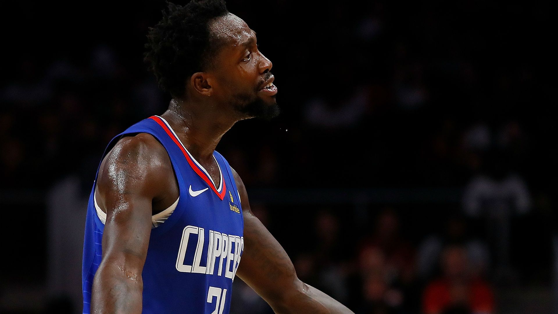 Patrick Beverley knocks out Dennis Smith Jr.'s tooth