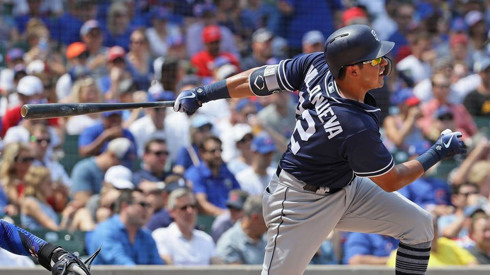 Padres sell 3B Christian Villanueva to Japan's Yomiuri Giants, report says