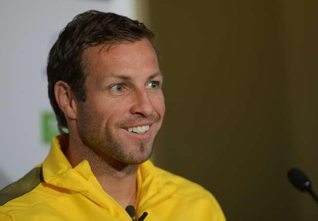 Lucas Neill signs Watford deal