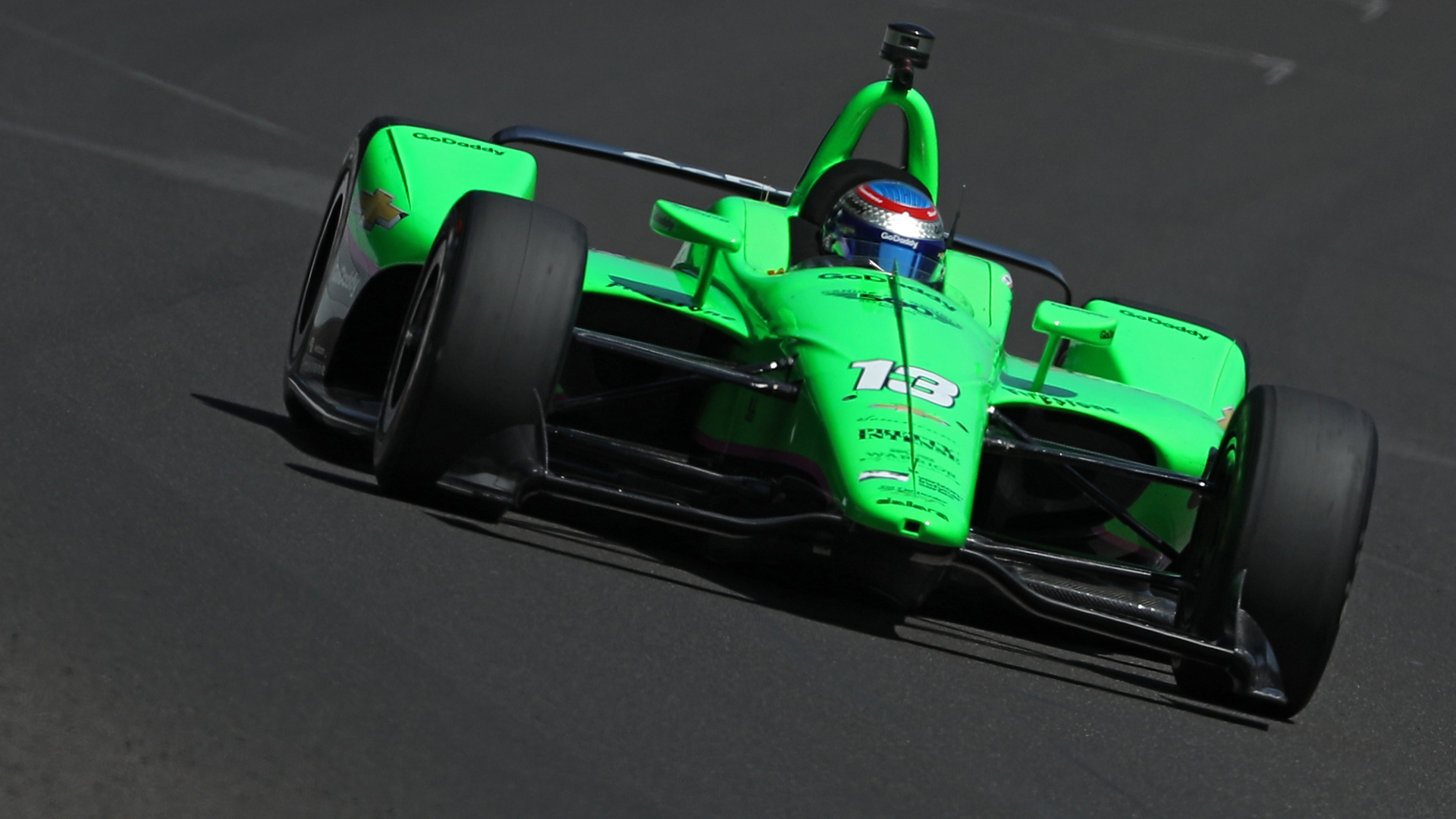 Danica Patrick crashes out of 2018 Indianapolis 500