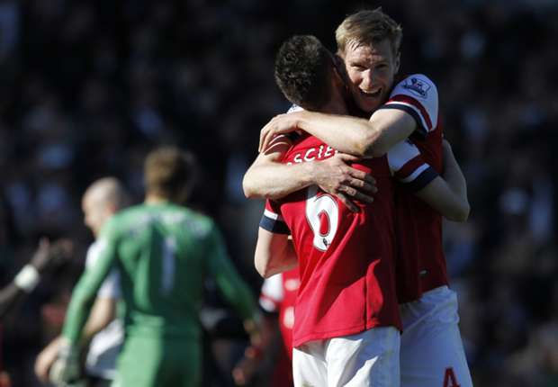 Mertesacker stunned by success of Koscielny partnership