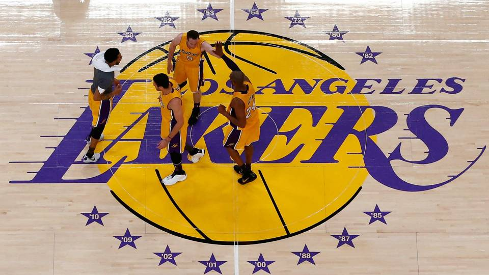 lakers-4262015-us-news-getty-ftr