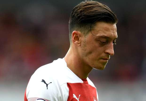 Arsenal News Unai Emery Says Mesut Ozil Must Live With Germany