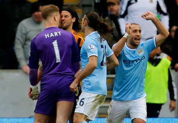 Hull boss Bruce backs Boyd after alleged spit at Hart