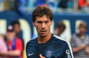 Schalke completes Stambouli signing